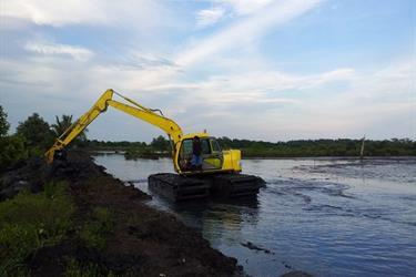 Amphibi Excavator Swamp Beko Bekas ( Second Hand )
