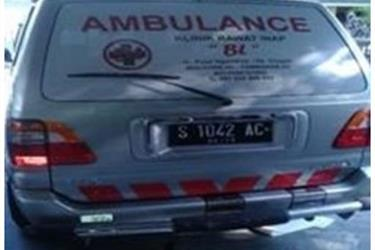 Modifikasi Mobil AMBULANCE klinik BL Bojonegoro Kijang LGX
