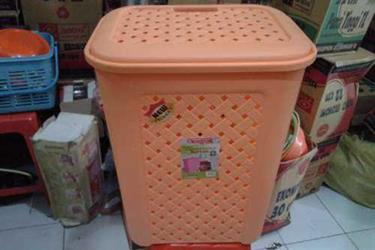 Keranjang Pakaian Jumbo Trash Laundry Stock Basket Plastik