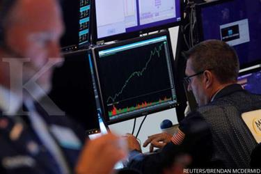 Wall Street berakhir flat di tengah beragamnya sajian data ekonomi