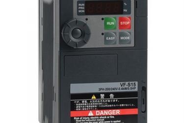 TOSHIBA Inverter VFS15S-2004PL-W