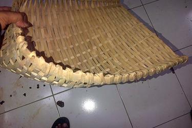 Pengki Bahan Bambu