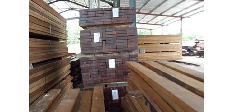 Produksi Flooring Kayu Merbau