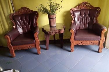 Meja kayu tua (Reclaimed wood table)